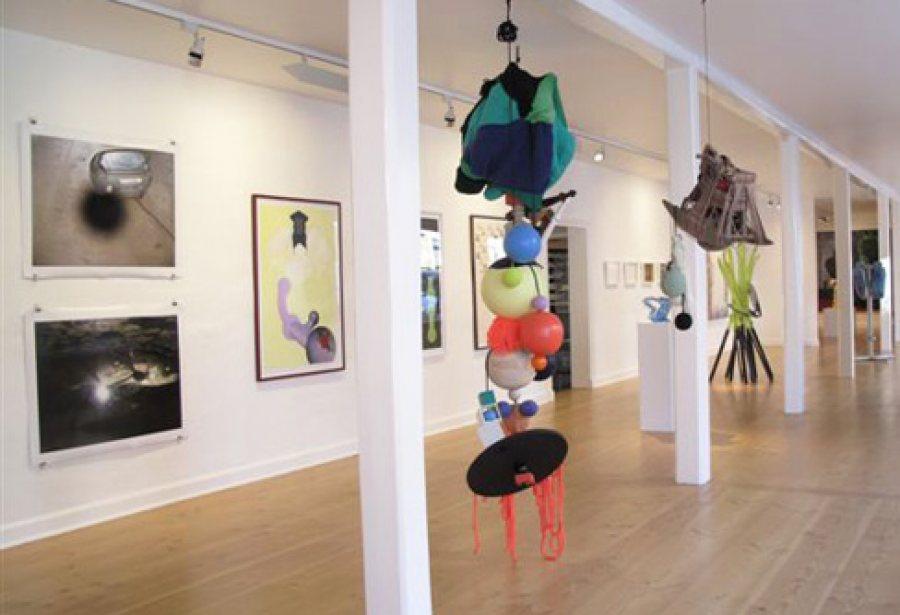 Gruppeudstilling med værker fra 9 kunstner